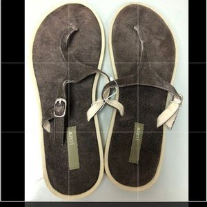 New J. crew brown sandals size 7 with missing tags